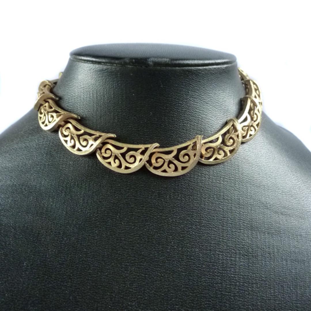 Vintage 1950s Scalloped Goldtone Necklace, nk1063-c