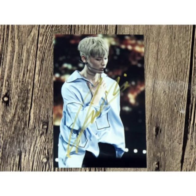 Wanna one nuest minhyun signed photo go postcard photocard