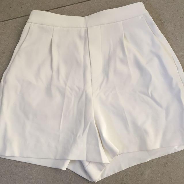White Plain Shorts