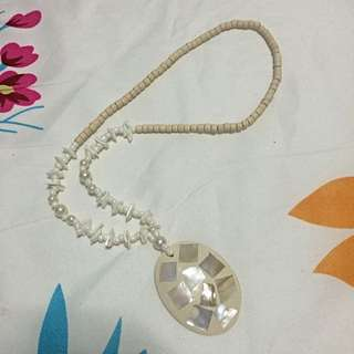 Shell Design Necklace