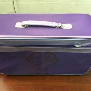 拉桿式行李箱