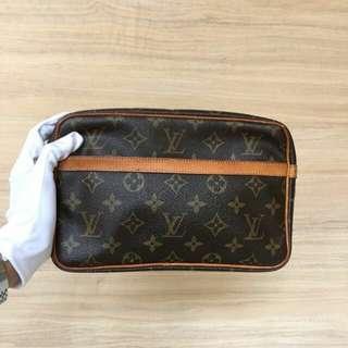 Louis Vuitton Compeigne 28 Authentic