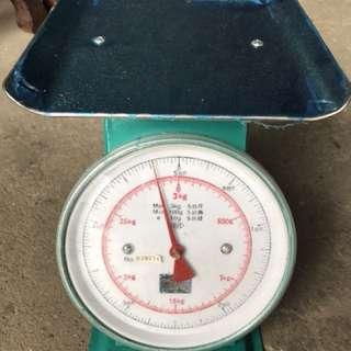 🚚 9成新彈簧秤 3公斤