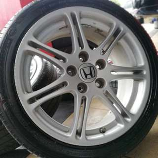 Original 17 inch sports rim civic fd 2.0 tyre 70%