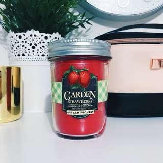 Bath & Body Works Garden Strawberry Jar Candle