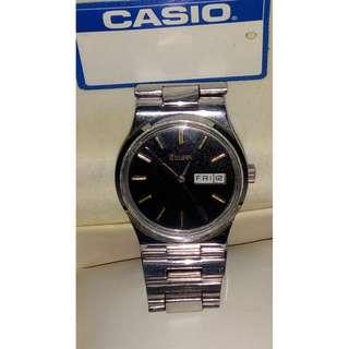 Vintage '' Bulova '' Swiss Day/ Date Automatic Watch ... Sale !!