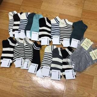 韓國🇰🇷買回來的襪子棉質很好韓國製喔、買太多了、換物價50、物品若無換物價照舊35喔#舊愛換新歡