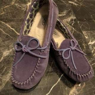 UGG purple woman size 4 but fits a size 5/6