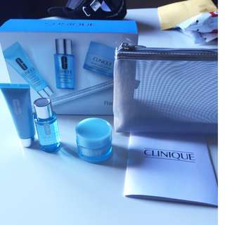CLINIQUE Radiance Set (3 Products & Cosmetic Bag)  Brand New.