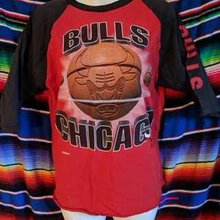 Vintage Chicago Bulls 3/4 tee.