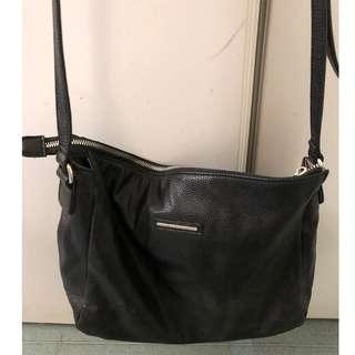 Women's Diana Ferrari Black Handbag