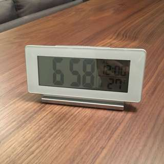Digital Clock/thermometer/alarm