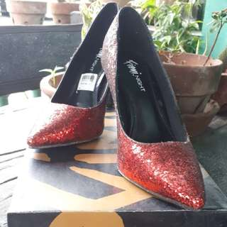 Fiomi Glittery Red Stilleto 👠