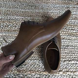 Men's brown boots - 11 NZ