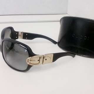 Authentic Gucci oversized sunglasses GG2591S RP$350