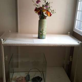 3ft 2tier stand and 20x13x13.5 ins fish tank