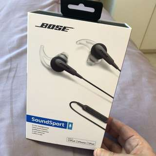Brand new Bose SoundSport in ear headphones with receipt 85$