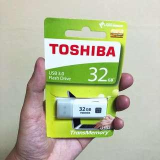 Toshiba Thumb Drive 32GB