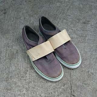 Sepatu puma slip on