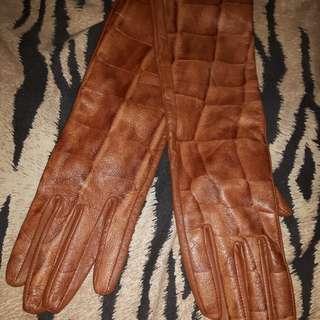 Danier- leather brown gloves