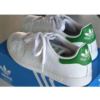 Adidas Stan Smith size 9