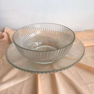 Glass plate and bowl set