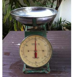 Vintage Capacity Graduation scale. Still in good working condition.