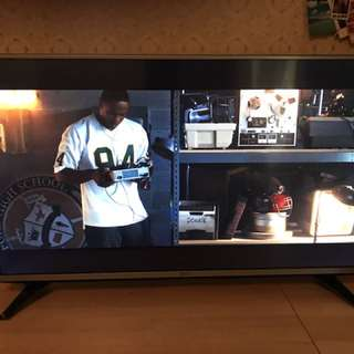 "LG 43"" Full HD LED-LCD Smart TV"