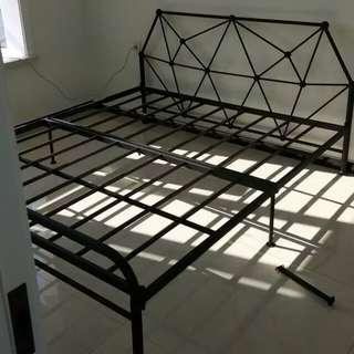 Bed 床