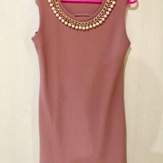 Sleeveless Mini Dress with Chain & Pearls