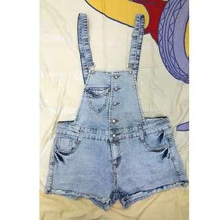 淺藍刷白吊帶牛仔短褲XL