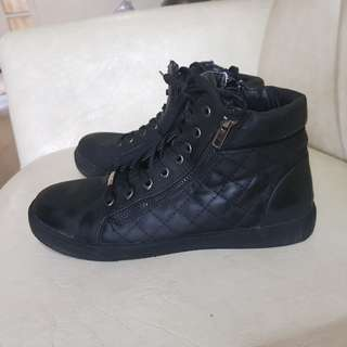 Leather Ankle Boots (size 8)