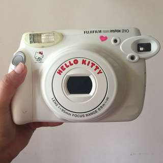 Fujifilm  Instax 210 Hello Kitty (Camera Only)