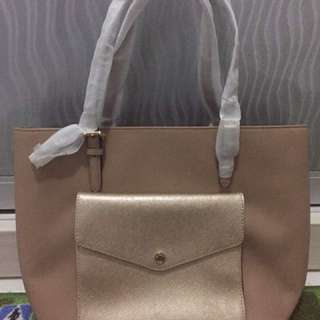 MICHAEL KORS JET SET LARGE POCKET MF TOTE