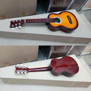 Gitar akustik mini
