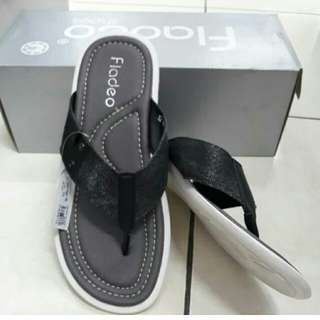 Sandal pria fladeo size 40 sold 42