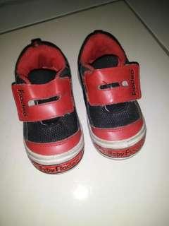 Sepatu merk fladeo size 23