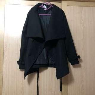 🚚 國外品牌 大翻領方釦縮腰綁帶毛呢短版大衣外套