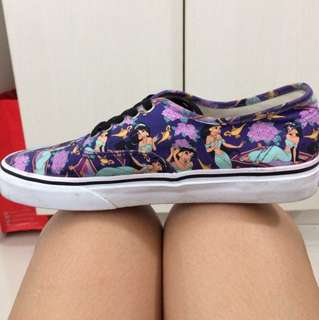 Vans x Disney Princess Jasmine Canvass Shoes size 8 (us)
