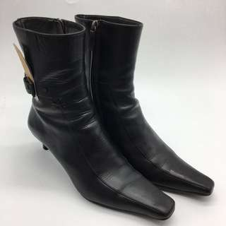 秋冬必備鞋款~  Gucci Short Boots - Gucci 短靴  - 二手真品