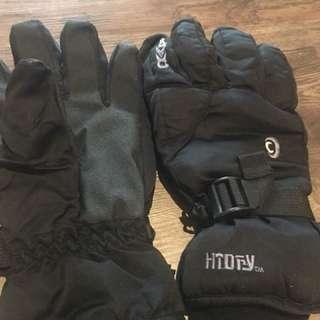 Men's Size L snow gloves for sale