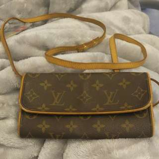 LV 細袋 (Louis Vuitton)