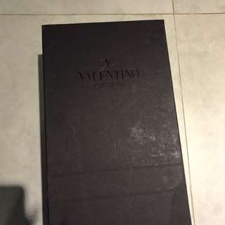 Valentino sneakers shoes box