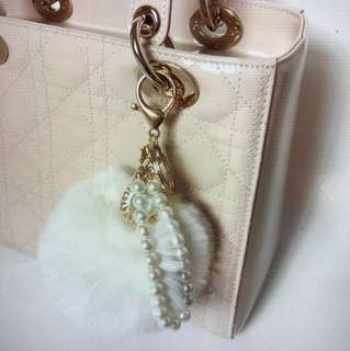 Pom Pom keychain with pearl