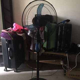 electric fan very good condition