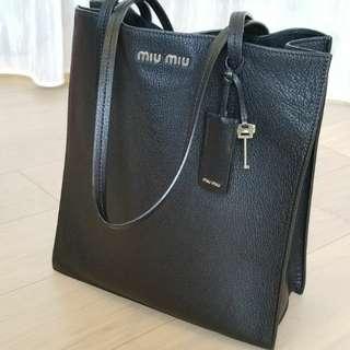 MIU MIU 全牛皮黑色袋