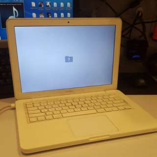 Sell as it is Macbook white year 2009