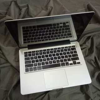 MacBook Pro 2.4GHz Core 2 Duo 4GB 320HDD NVIDIA 330M 13.3inch LED