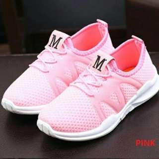 Breatheable kids sports shoes