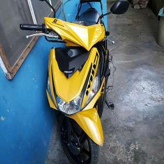 Yamaha Motorcycle Mio125 i yellow